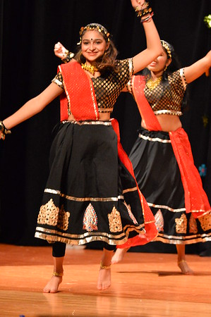 Dance 27 - Dance Medley - Shubhaarambh & Nagada Sang Dol
