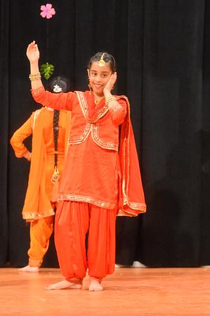 Dance 3 - Punjabna Canton Diyan