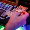 jnews_0504_video_gambling_01.JPG
