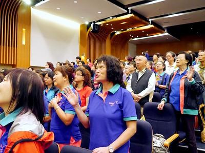 2014-05-02-讚美操分區祈禱會 -- 敬拜讚美