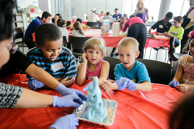 jnews_0718_science_kids_02.JPG