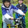 2006-10-25 Elise and Grant Lange on bikes
