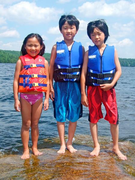 2007-07-04 Lake Elise Noah Wyatt on Rocks Beech Pond WYNOEL