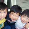 2004-05-09 WYNOEL Noah Wyatt Elise CloseUp Portait on Front Porch