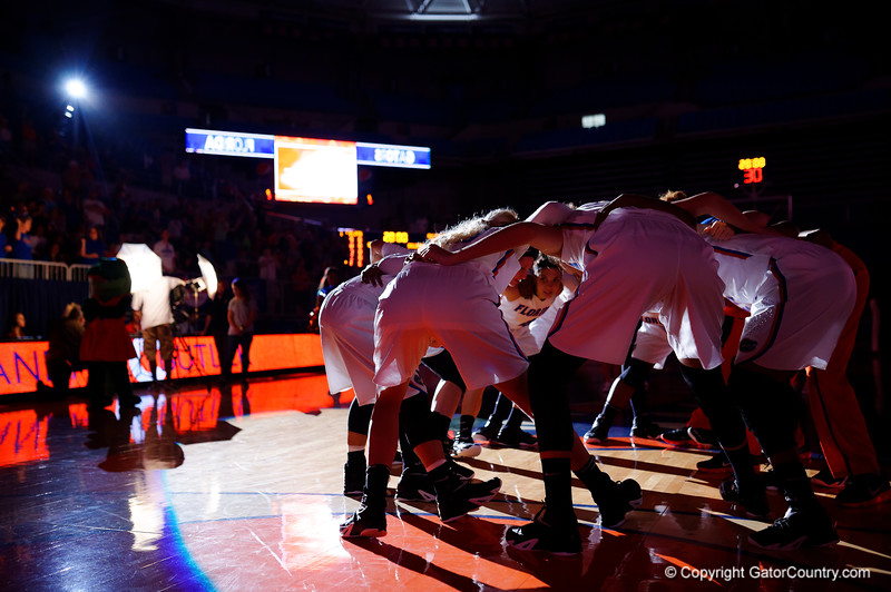 The Florida Gators gather together before tip off.  Florida Gators Womens Basketball vs Georgia Bulldogs.  February 28th, 2015. Gator Country photo by David Bowie.