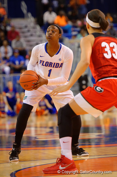 Florida Gators guard Ronni Williams looks to pass in the offensive zone during the first half.  Florida Gators Womens Basketball vs Georgia Bulldogs.  February 28th, 2015. Gator Country photo by David Bowie.