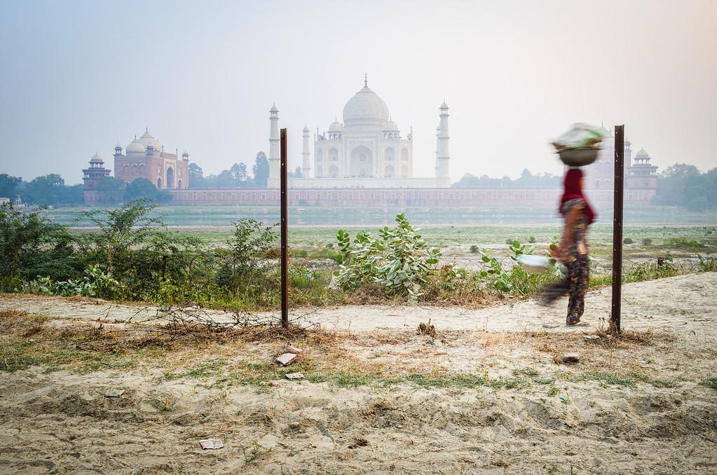 Life behind the Taj Mahal, Agra