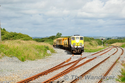 072 arrives at Rosslare Strand 60 minutes behind schedule. 0700 Waterford - Rosslare Strand Weedspray Train. Mon 21.07.14