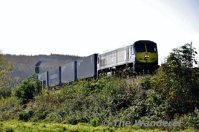 218 departs Portarlington with the 0935 North Wall - Ballina IWT Liner. Sat 25.10.14