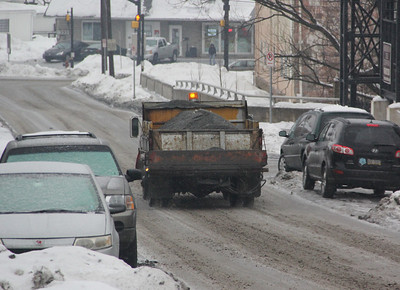 Tamaqua Borough Truck Laying Salt, Mauch Chunk St, Tamaqua (2-19-2014)