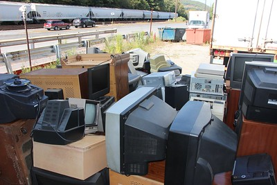 Electronics Recycling Program, 2nd to Last Day, Transfer Station, Tamaqua (9-26-2014)