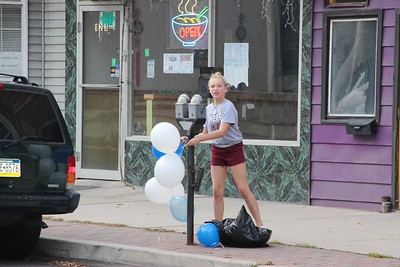 Tamaqua Cheerleaders Plaing Blue and White Balloons Downtown, Tamaqua (9-25-2014)