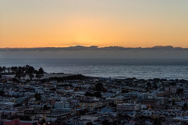 2015-11-25 Sunset at the Moraga Stairs