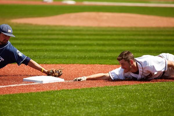 2016_UWL_Baseball_Regionals_195