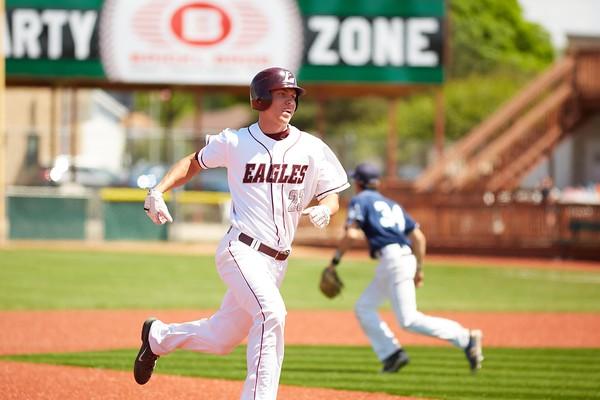 2016_UWL_Baseball_Regionals_174