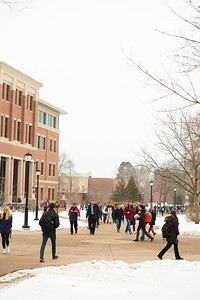 2016_UWL_Students_First_Day_Spring_Semester_016