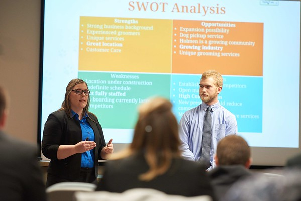 -UWL UW-L UW-La Crosse University of Wisconsin-La Crosse; Candid; Classroom; Collaborating; day; December; Group; Inside; Man men; Student students; Wing; Woman women