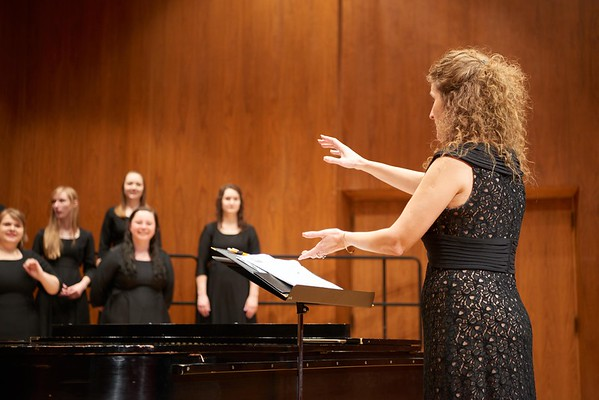 2016_UWL_Womens_Choir_002