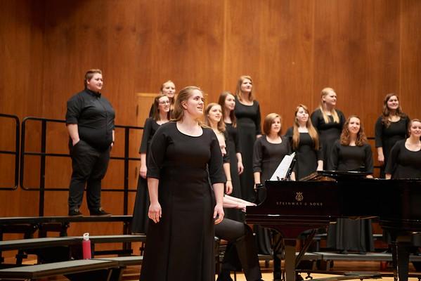 2016_UWL_Womens_Choir_007