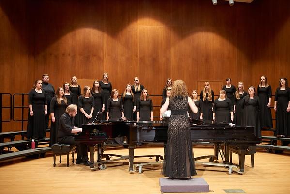 2016_UWL_Womens_Choir_005
