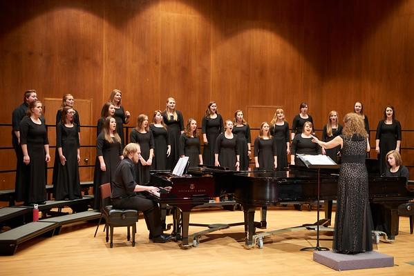 2016_UWL_Womens_Choir_001