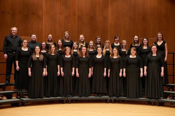2016_UWL_Womens_Choir_008