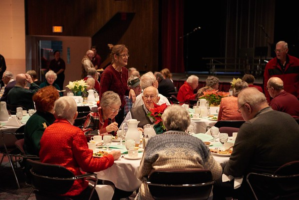 2015_Holiday_Luncheon_017