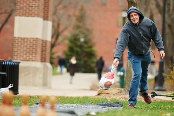 -UWL UW-L UW-La Crosse University of Wisconsin-La Crosse; Candid; cloudy; Community Service; day; Fall; November; Student students; Volunteering; Wittich; Man