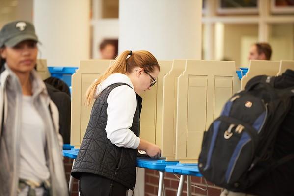 2016_UWL_Students_Voting_Preference_001
