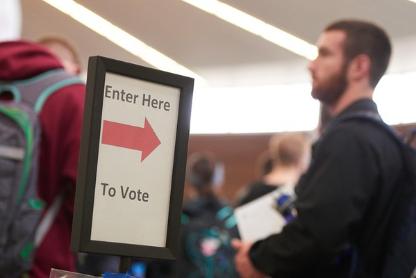 2016_UWL_Students_Voting_Preference_002