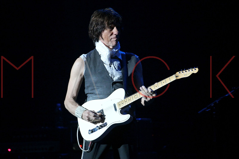 549939111SM022_Jeff_Beck_In