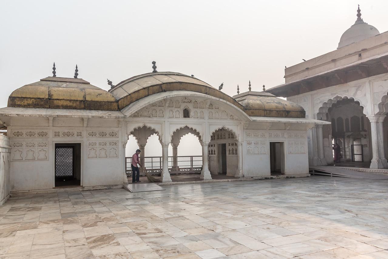 Agra-1102