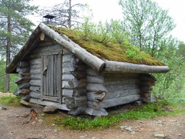 A cute log cabin
