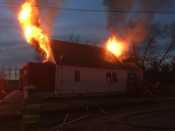 4-15-2015 (Gloucester County) WEST DEPTFORD - 27 Cumberland Avenue - Dwelling Fire - All Hands