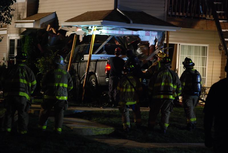 5-15-2015 (Gloucester County) WASHINGTON TOWNSHIP - 2500 Thistledown Court - Motor Vehicle Crash