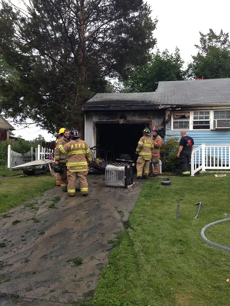 7-3-2015 - (Gloucester County) - Mantua - 647 Topeka Ave - Dwelling Fire - All Hands