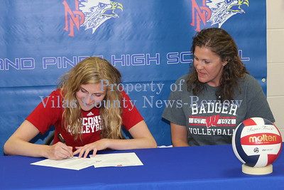 Smith Signs With Badgers
