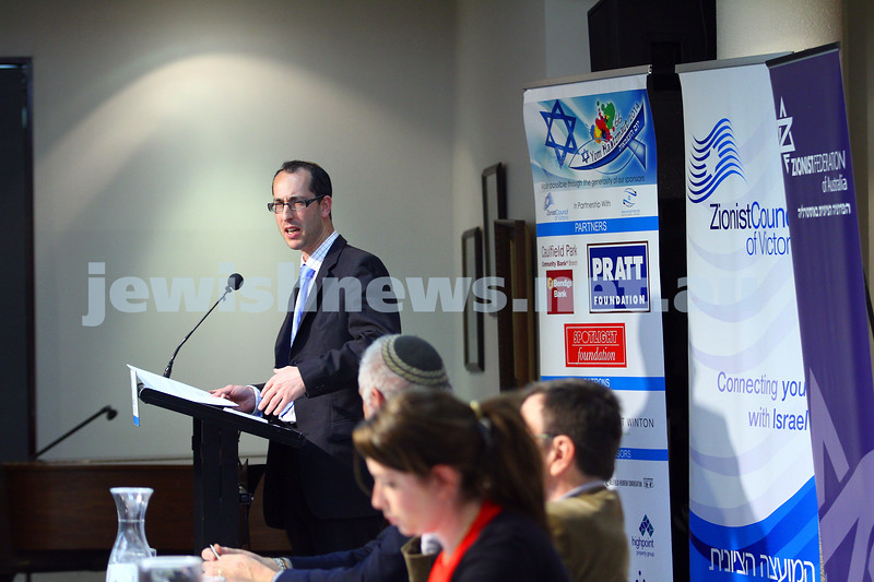 22-3-15. Israeli election panel discussion at Beth Weizmann.  Nathan Jeffay addresses the audience. Photo: Peter Haskin