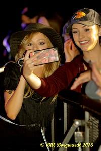 Mackenzie Porter - Selfies with the audience - K Days 2015 150
