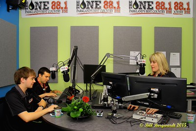 Kevin Albus & Luca James with Jen Dalen - FM 88.1 The One Sign On 010