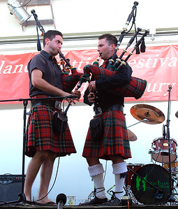 "Brothers - dueling bagpipes on ""Scotland the Brave""!"