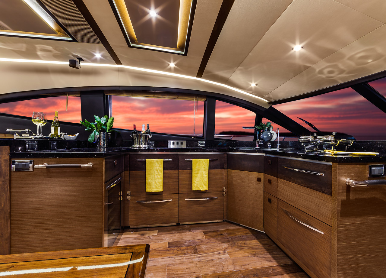 L650 Fly Galley