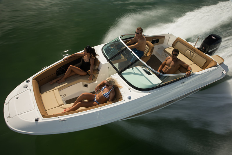 Sea Ray 240 Sundeck OB (2014)