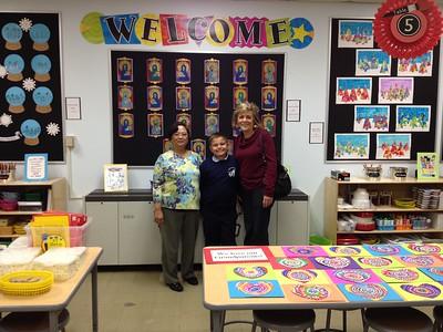2015-04-20 Art Program #3 - Grandparents visit the Art Room