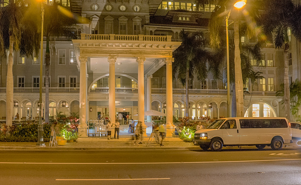Entrance to Moana Surfrider