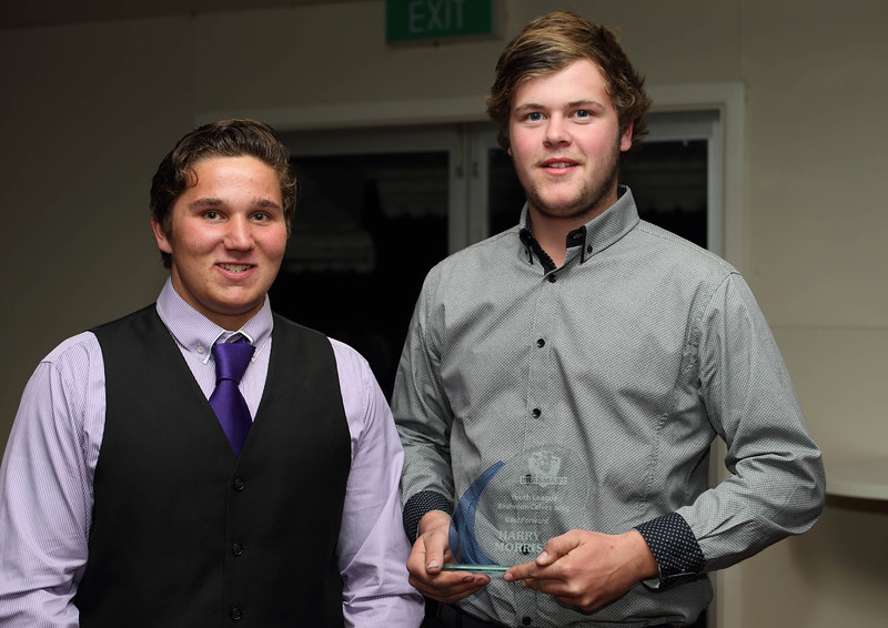 """Youth League 2015 """"Best Forward"""" Harry Morris with Travis Pigram."""