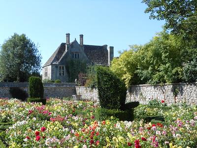 The Dahlia Garden at Avbury