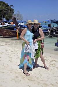 _DG17382-12R Lynn & Jeanette