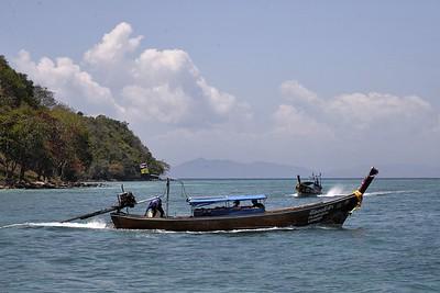 _DG17374-12R Phi Phi Island boats