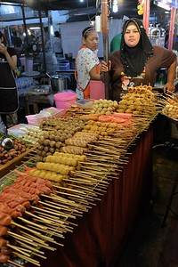 _DG17275-12R Phuket Market-Muslim Vendor